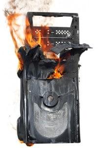 Brennender Computer - Zu spät für eine Computerreinigung